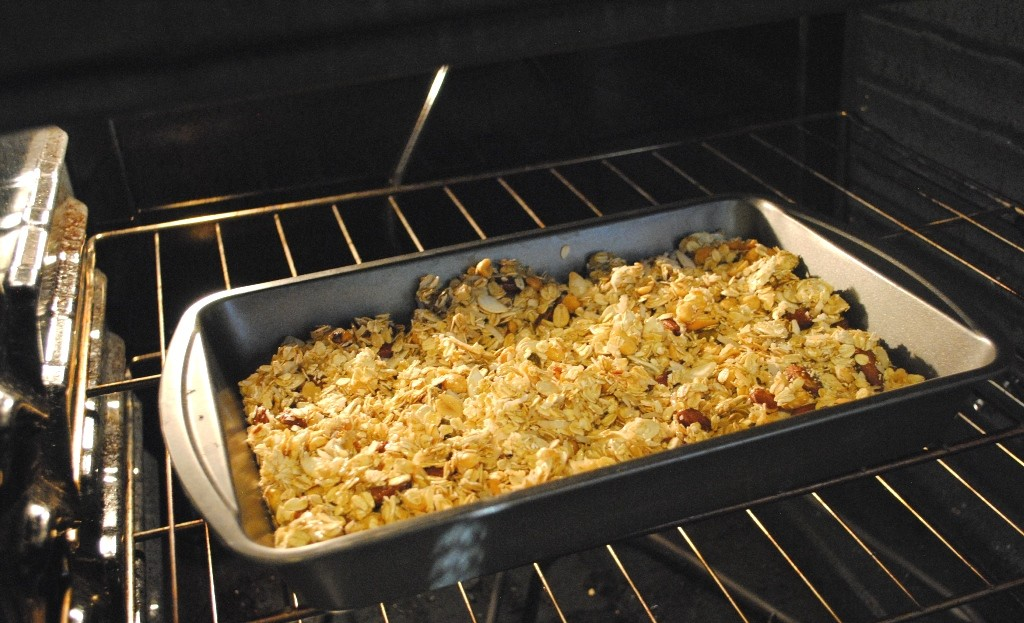Shop-Planters-GoNutsforNuts-Deep-Pan-Oven